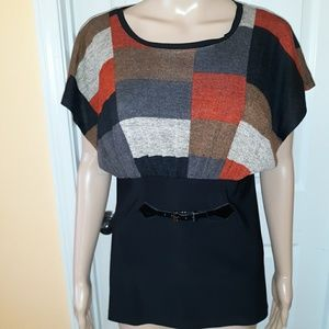 Color block tunic short sleeve top
